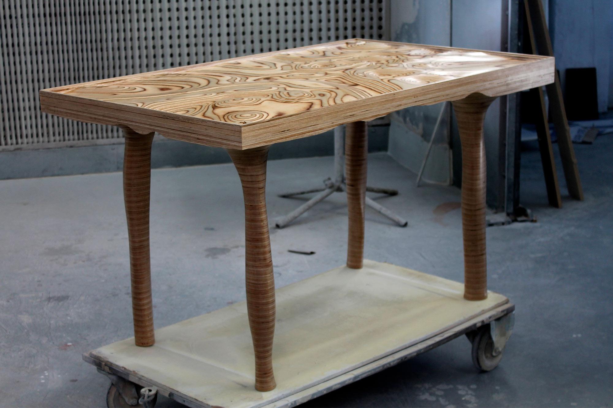 Topotable topografías táctiles, es una mesa paramétrica diseñada y fabricada por EXarchitects
