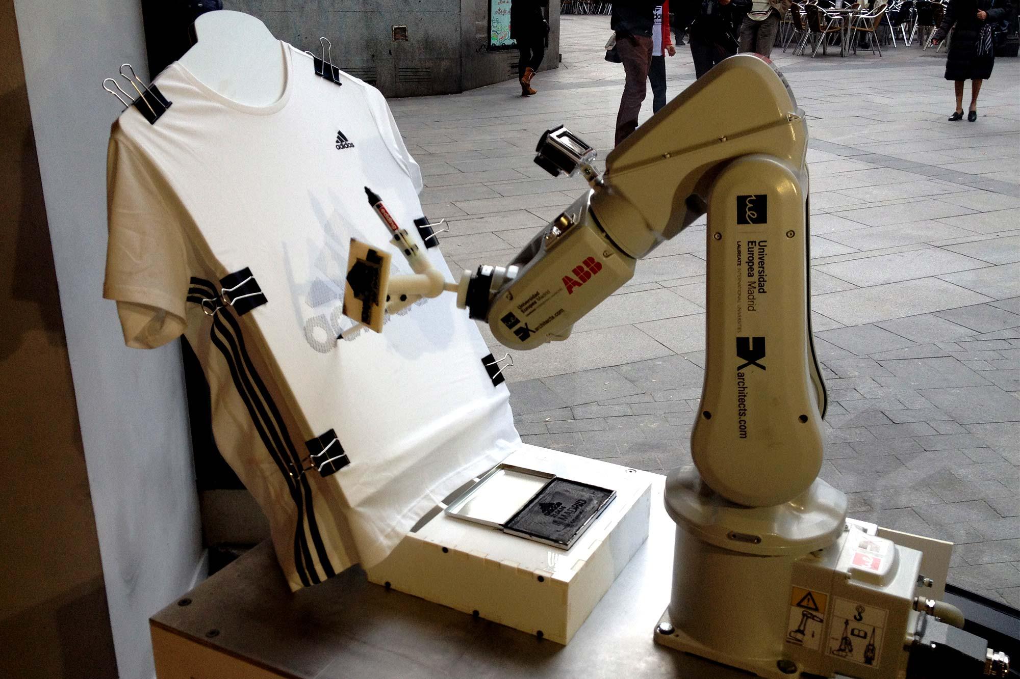 Retratos-Robots_-A_-techlab-_-EXarchitects_10