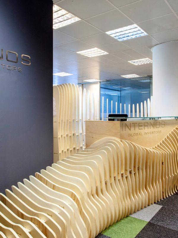 Recepción y mobiliario paramétrico para la sede de Internos Global Investors, diseñada por Gärna Studio y fabricado por EXarchitects