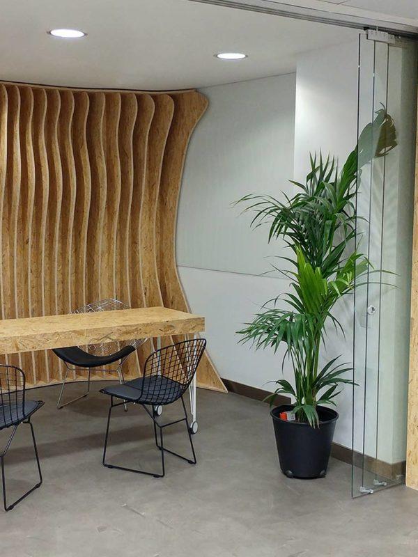 Mobiliario paramétrico para las oficinas en Madrid de Tel io, fabricado por EXarchitects