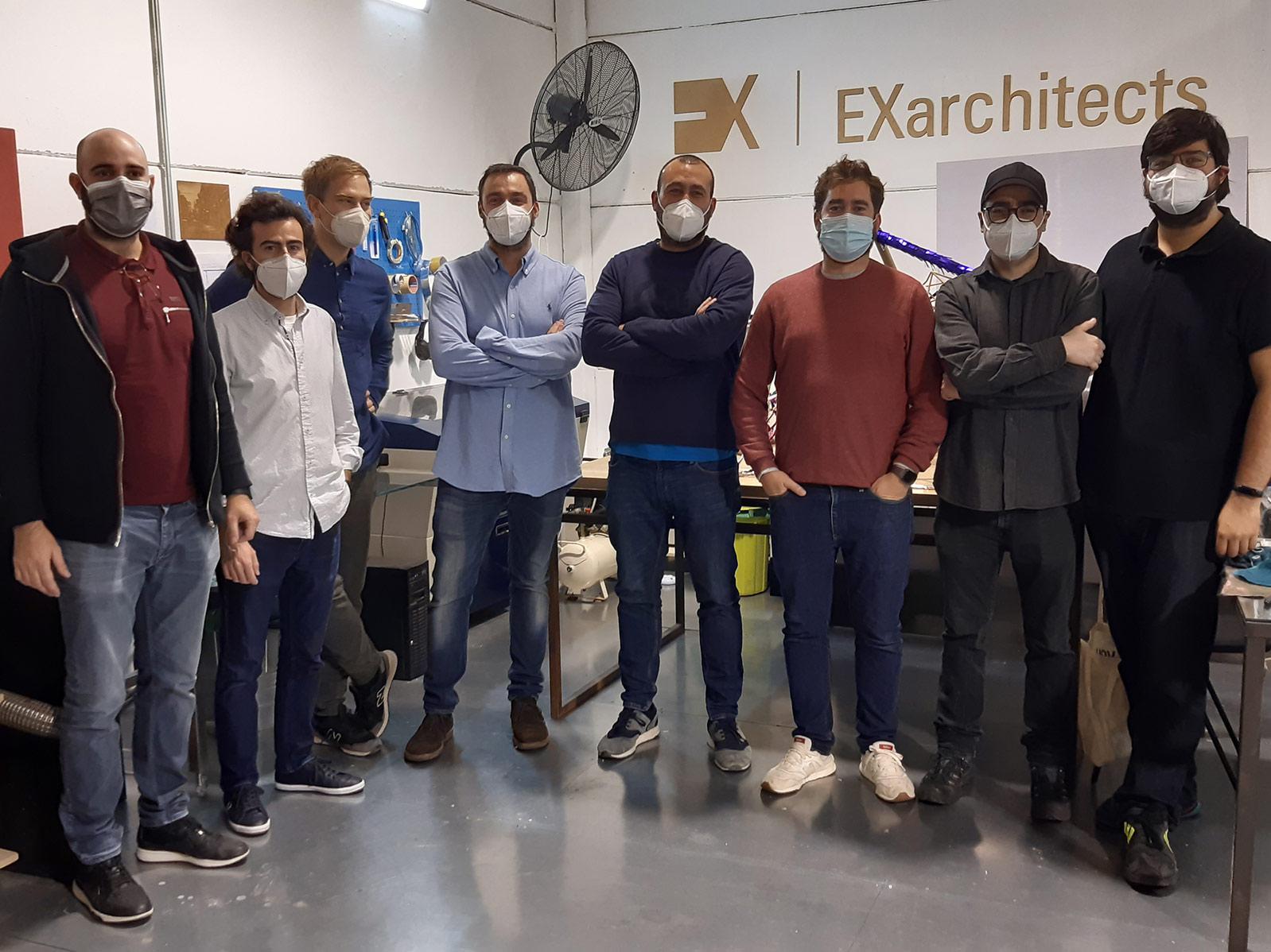 Foto de los equipos de EXarchitects y FABdeFAB durante iAtelier para Fundesarte y EOI