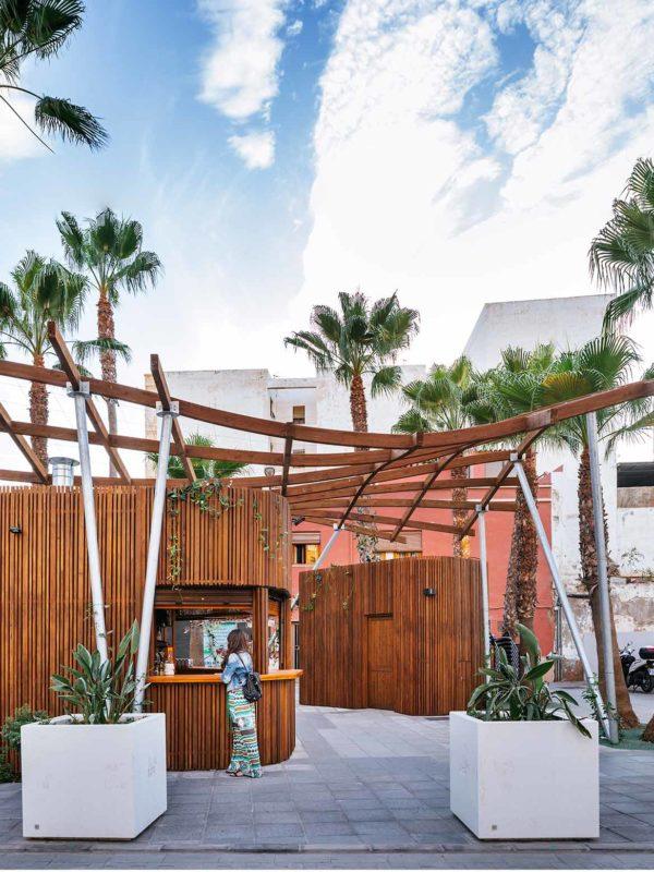 Chiringuito emplazados en Adra, diseñado por EXarchitects y de arquitectura paramétrica